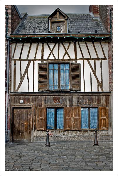 Maison quai bélu