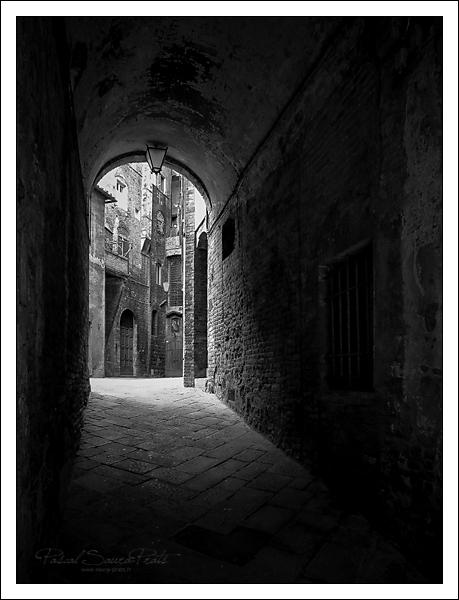 Ruelle de Sienne, Italie