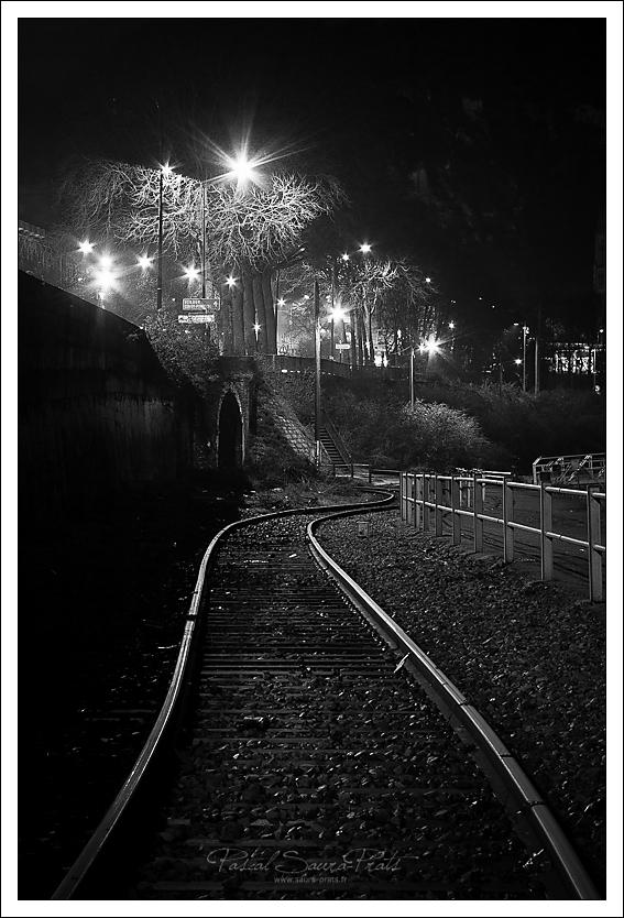 Rouen la nuit.