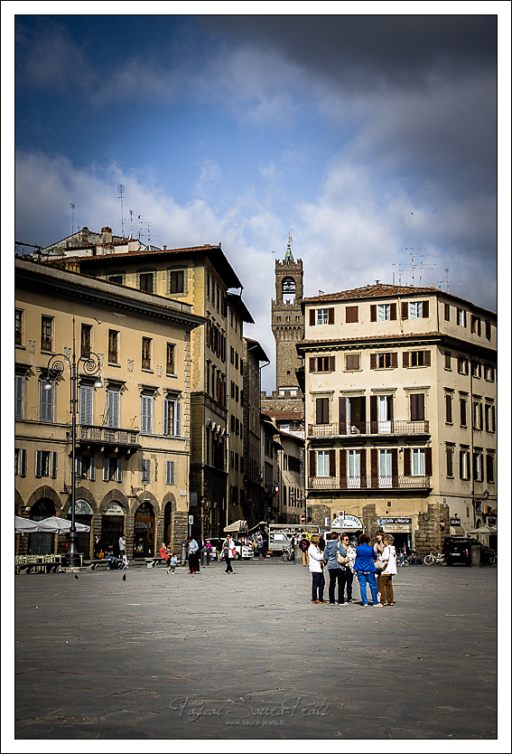 Se rencontrer sur la piazza Santa Croce