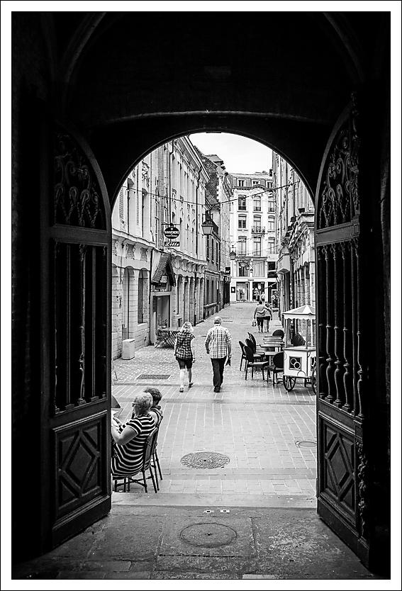 de la vieille bourse à la rue des trois couronnes, Lille