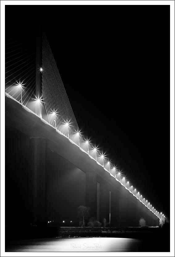 Pont de Brotonne nocturne