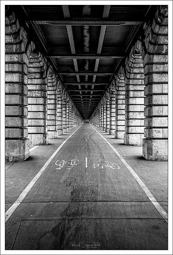 Sous le Pont National